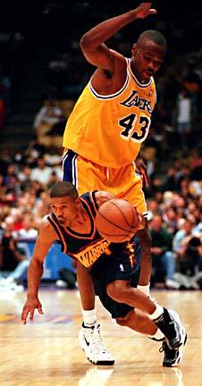 4 pemain basket NBA terpendek Bogues